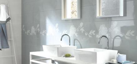 Piastrelle per bagno colore azzurro ragno - Colore per piastrelle ...