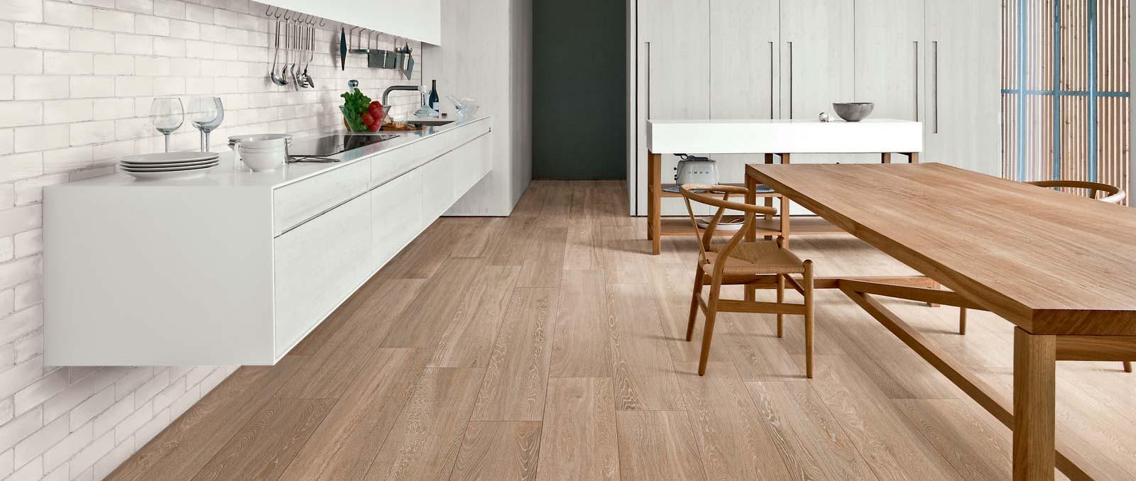Total White Look: Cucina Bianca e Moderna  Ragno