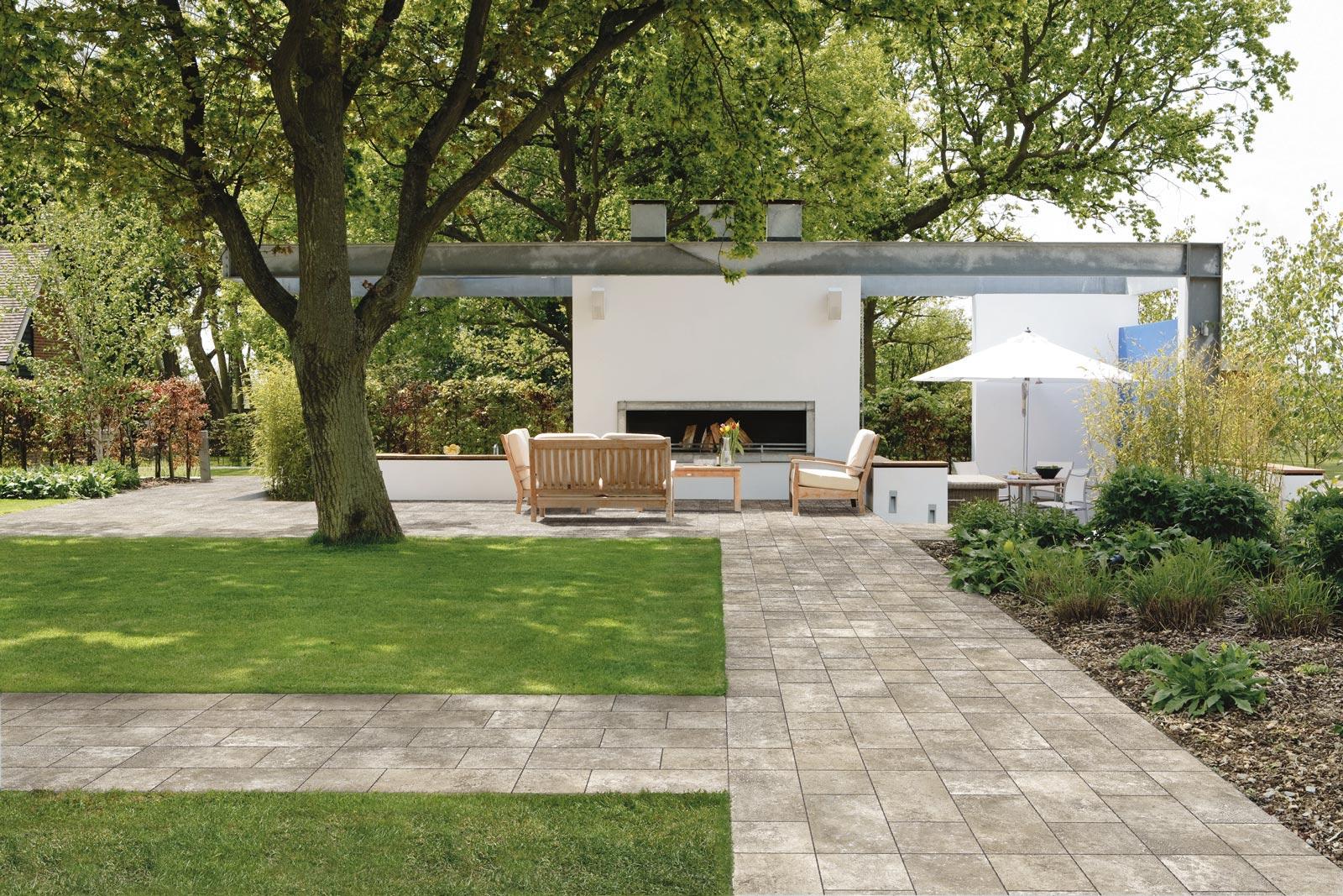 Collezione rock ground quarzite e roanne ragno for Ambienti esterni giardini
