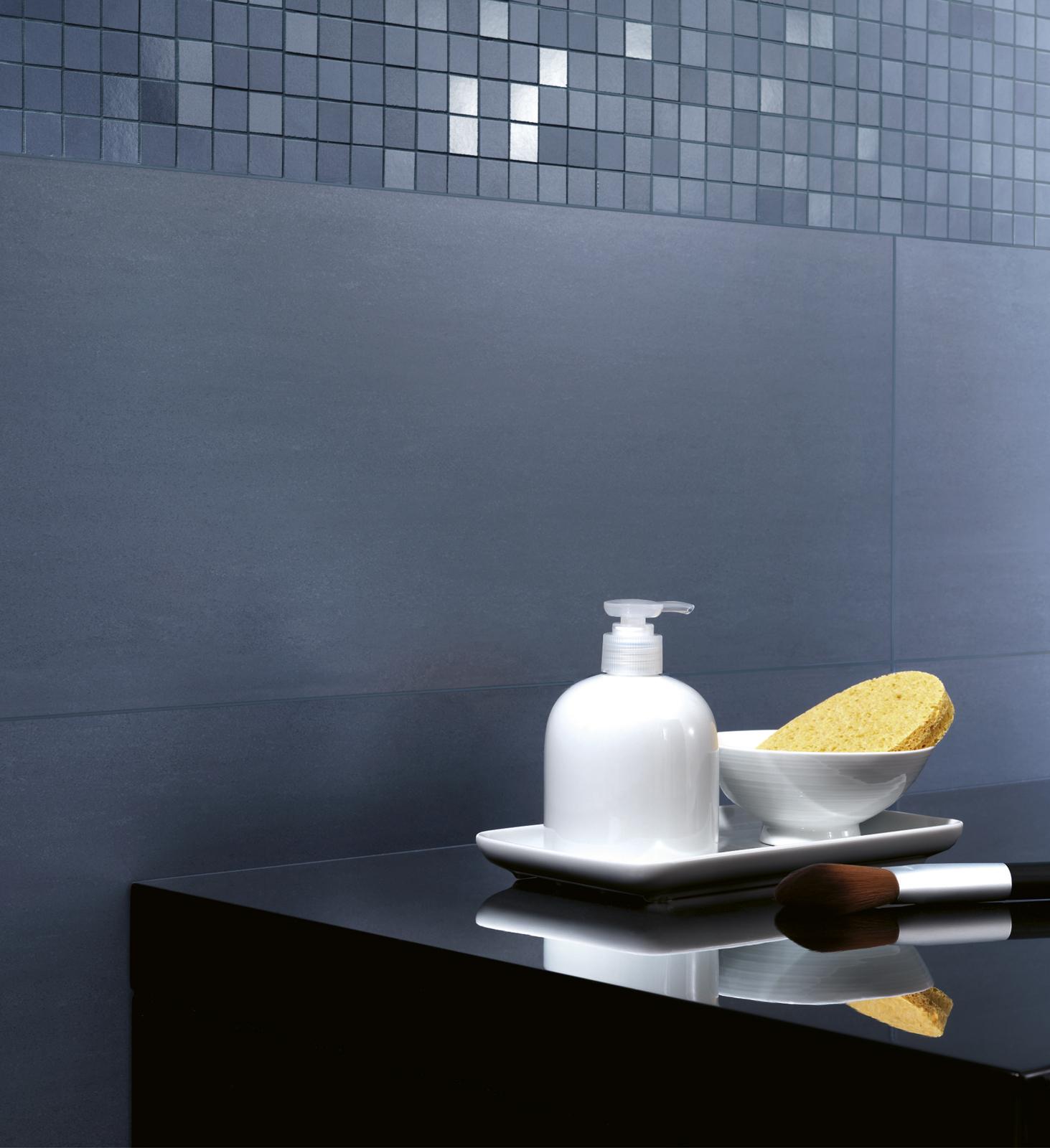 Collezione trend piastrelle in ceramica da rivestimento - Piastrelle bagno blu ...