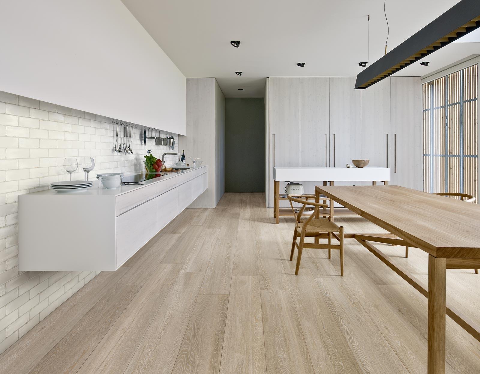 Piastrelle effetto legno e parquet ragno - Piastrelle cucina effetto legno ...