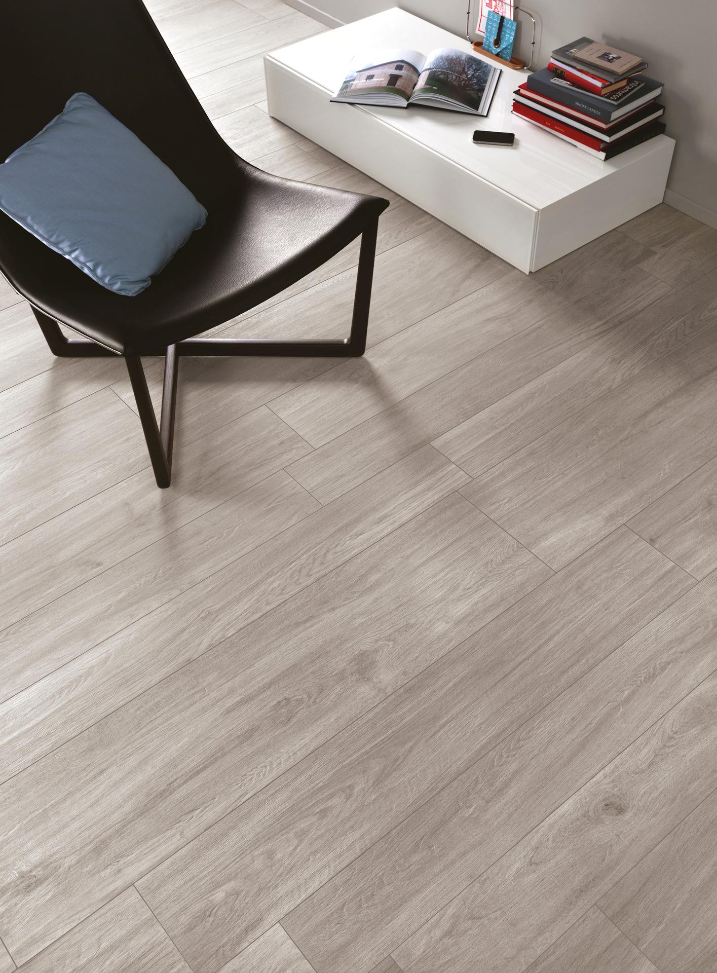Piastrelle grigio pavimenti e rivestimenti ragno - Piastrelle finto parquet ...