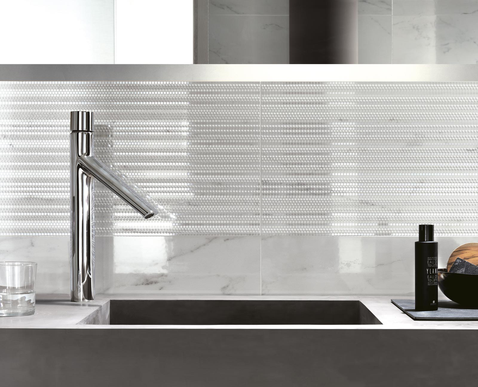 Collezione Daylight: Rivestimenti bagno effetto marmo | Ragno