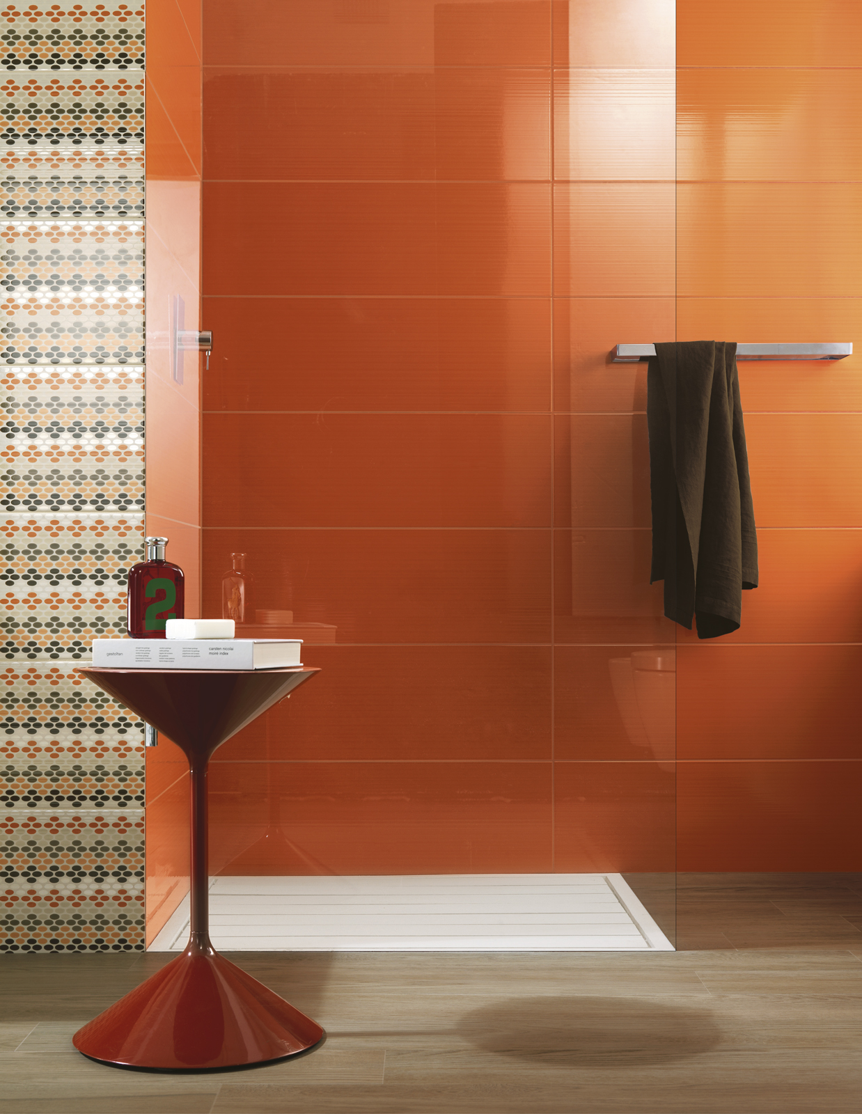 Collezione smart piastrelle colorate per bagno ragno for Salle de bain coloree