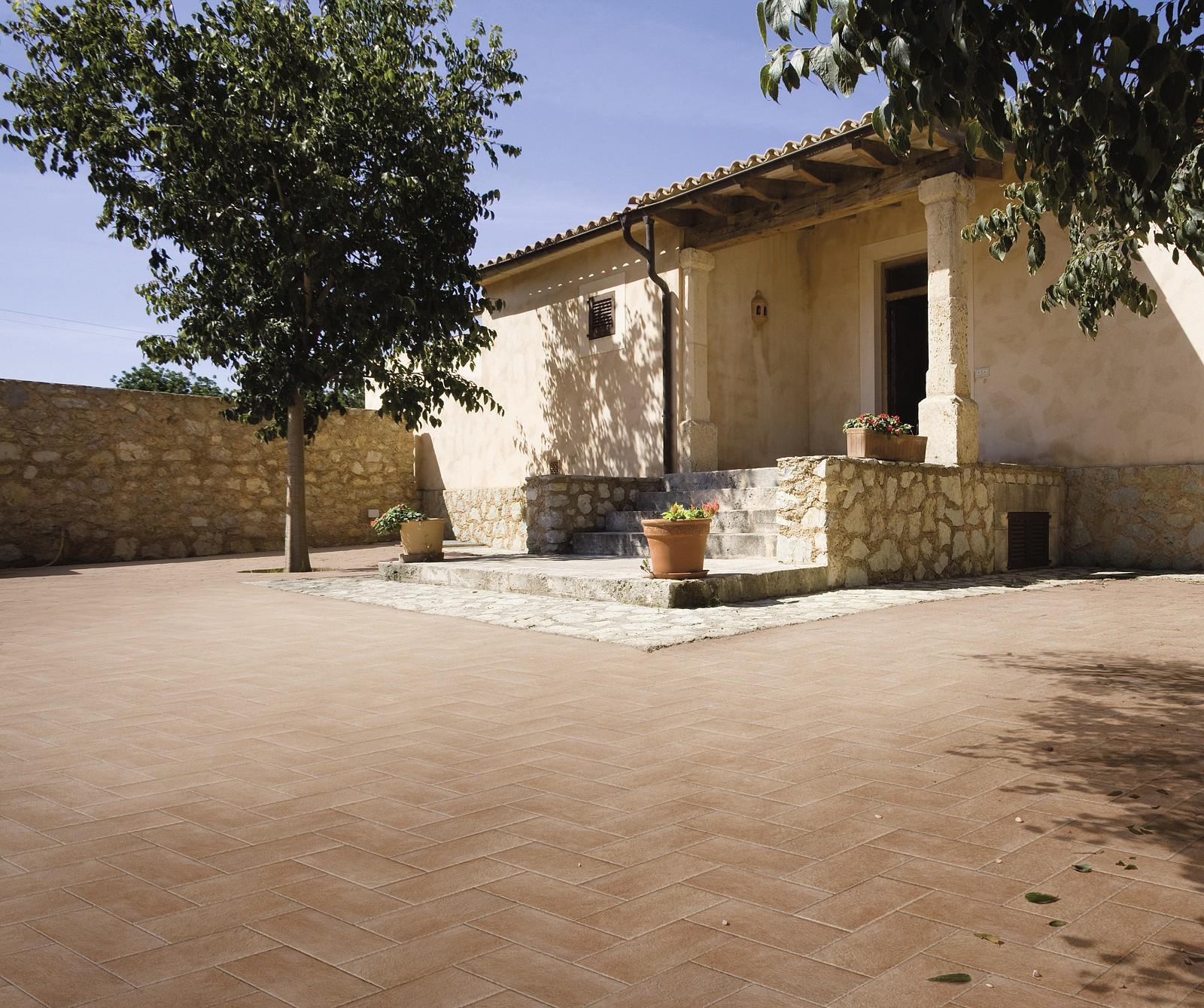 Pavimenti Per Esterni Collezione Elysium Di Corà 2 Pictures to pin on ...