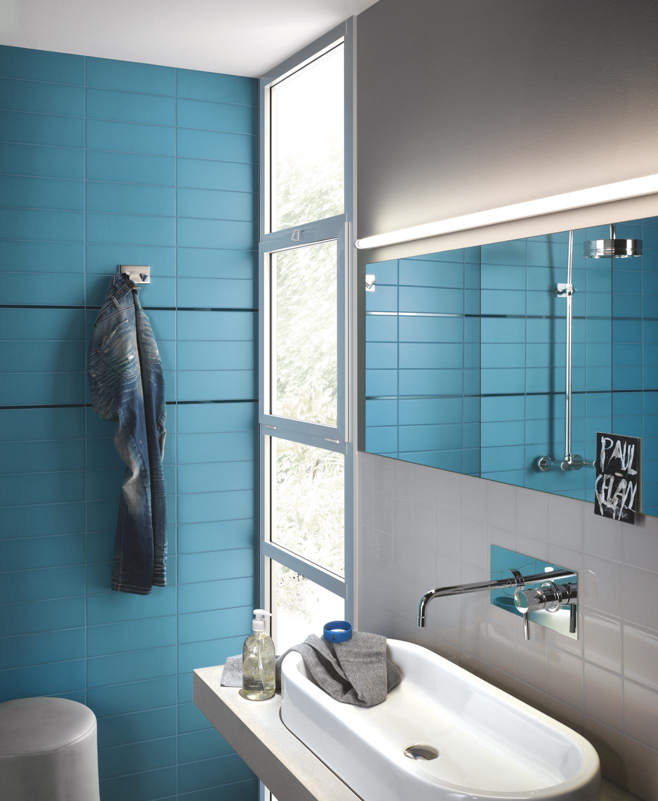 Collezione unitech rivestimenti dal colore accattivante for Piastrelle bagno turchese